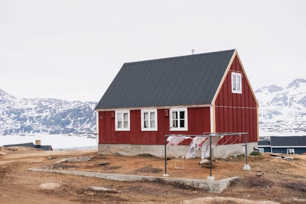 Eigenleistungen - skandinavisches Haus in rot weiß